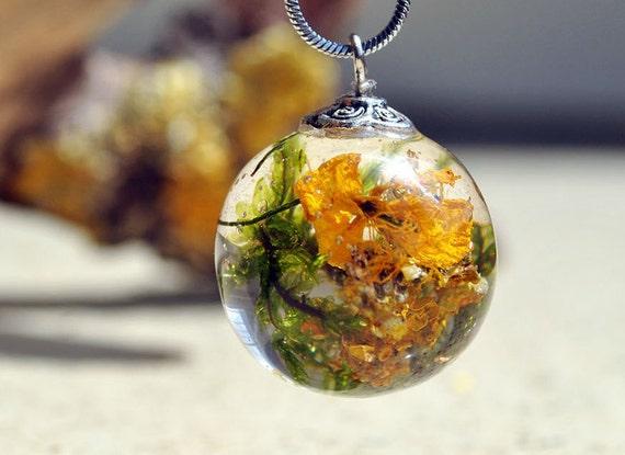 ball necklace lichen collier collier de mousse terrarium. Black Bedroom Furniture Sets. Home Design Ideas