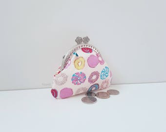 Purse / small purse / coin purse / change purse / clasp purse / kiss lock clasp / pouch / cakes / donuts / sweets / on trend / gifts for her