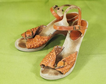 Vintage 70's THE AMERICAN GIRL Brown Leather Ankle Strap Heeled Sandals Made in Brazil Size 7