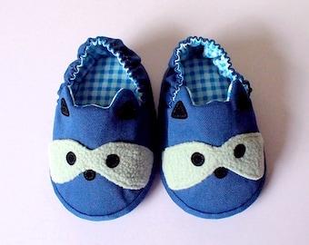 Elastic Baby Booties, Raccoon Baby Shoes, Dark Blue Baby Shoes, Fabric Baby Shoes, Prewalker Booties, Newborn Infant Booties, Raccoon 04