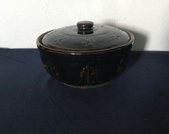 Vintage Dark Brown 2-Quart Casserole, Decorated with Flowers and Leaves