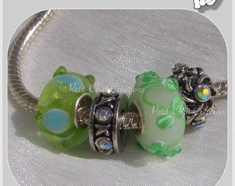 SINGLE CORE METAL clear green glass DONUT RONDELLE beads & 4 CHARMS silver * D655