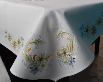 Tuscan Decor Embroidered Table Cloth   Table Cloth   Table Linens    Embroidered Bread Basket Liner