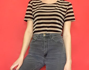 Vintage 90s Y2k 2000s Black and Gold Striped Stretchy Short Sleeve T-Shirt
