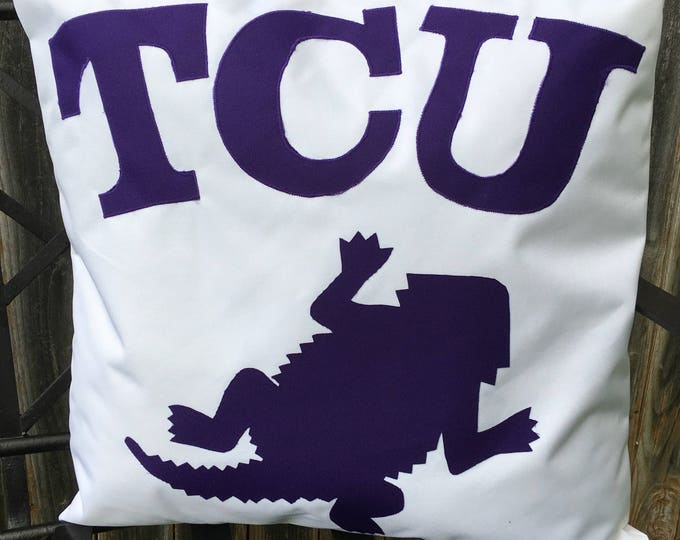 White Outdoor TCU Horned Frog Pillow 20x20 Pillow Cover with Purple Applique Frog and Lettering outdoor Decor