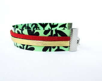 """Paper bracelet """"Lia"""" / Handmade with recycled material / Gift for woman / (1,5 x 17 cm) / Shipping to worldwide."""