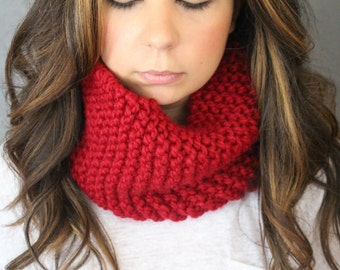 Chunky Knit Infinity Cowl Scarf - Cranberry
