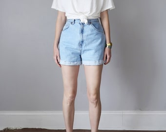 levis jeans shorts / denim 80s light blue wash faded high waist cuffed (m - l)