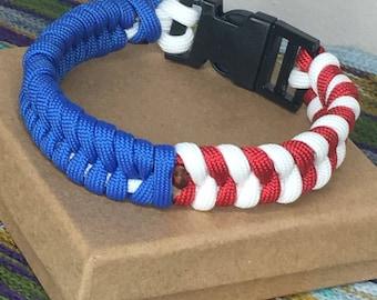Patriotic paracord bracelet