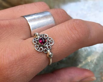 Silver Garnet ring, birthstone ring, January birthstone ring, Flower ring, stacking ring, Dainty ring, simple thin ring - Establish R2480