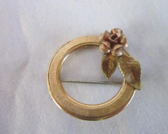 Vintage Gold Tone Circle Brooch with Fower