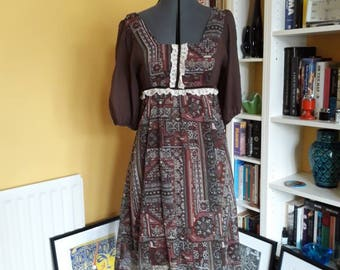 Beautiful 70's prairie dress