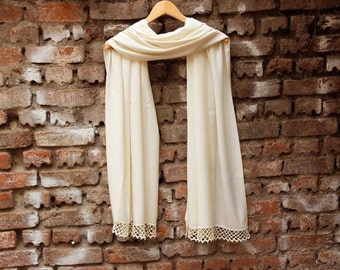 Thick Wedding shawl Bridesmaids gifts Pashmina  scarf shawl ivory bridal gift with handmade lace