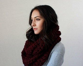 Chunky Knit Infinity Scarf // The Bastille - CLARET