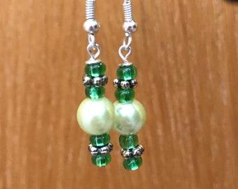 Green Drop Earrings, Green Beaded Drop Earrings, Green Beaded Earrings, Green Earrings, Beaded Earrings Green, Drop Earrings Green