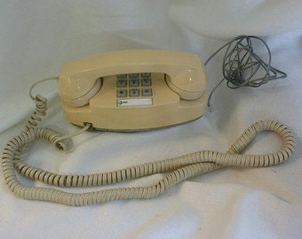 Vintage Princess Telephone, Beige Push button phone,  Att Land line phone, Western Electric, Tan phone