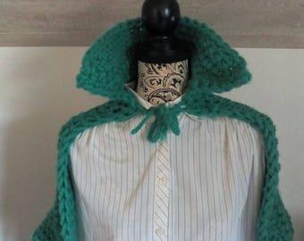 Cape shawl with jade wool collar