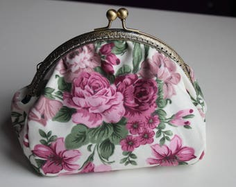 Kiss Lock Vintage Bag with Chain, Cosmetic Bag, clutch bag, Vintage Style Purse, Old Style, Make-up Bag, Kiss Clasp Purse, Pink Roses