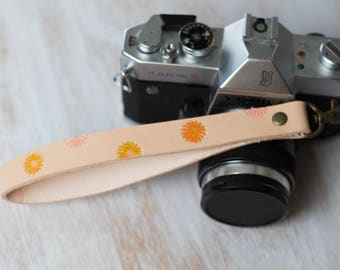 Leather Camera Wrist Strap, Leather Camera Strap, Flower, Vintage, DSLR