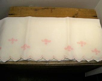 White Linen Furniture Scarf with Hand Embroidered Pink Accents Vintage 1940-50's