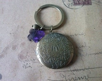 Medallion Keychain ~ butterfly ~.