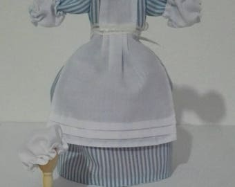 Dress cook, removable, 1:12 scale. Dollhouse.