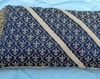 Handmade 'Designer' Decorative Pillow - Gold Fleur de Lis on Black