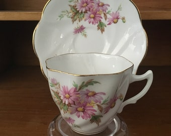 Lovely Bone China Teacup and Saucer - Made in England