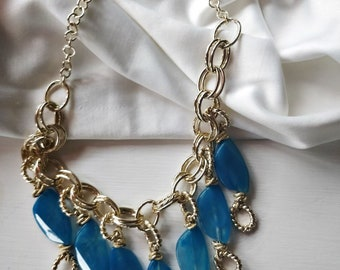 Décolleté necklace with blue and chain pendants, outfit for romantic dinner, birthday present for mother or mother-in-law, gift