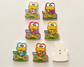 7 Wooden Frog  Button - #SB-00357
