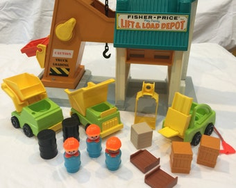 Vintage Fisher Price Lift & Load Depot Construction 942 near complete