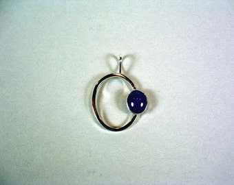 sterling silver pendant with lapis