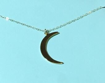 Crescent moon necklace, pendant necklace, moon necklace, vermeil necklace, thetrendyones, delicate necklace, dainty necklace, gold pendant,