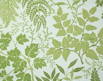 Retro Flock Wallpaper by the Yard 70s Vintage Flock Wallpaper - 1970s Flock Botanical with Green Leaves and Fern Fronds on White