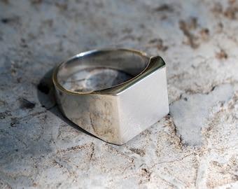 Classic Square Signet ring-Square Silver Signet Ring-Classic Signet ring-Mens Silver Signet Ring-Mens Jewelry-Classic-Jewelry for men-MJ