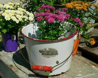"Vintage 8""Rusty Red White Enamel Bucket Pail w/ Wood Handle Planter Spring Flowers"