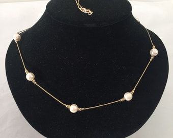 Vintage Couture  Gold Tone Chain and Pearls Necklace