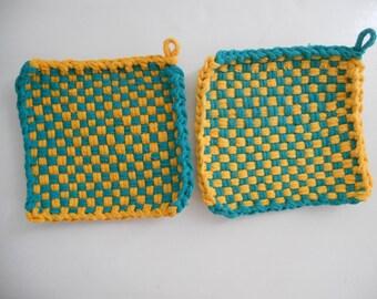 Loop potholders - 6 x 6 - Green and yellow