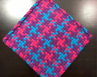 Handmade Large Woven Potholder in TPP Houndstooth