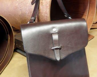 Handmade Leather Crossover Bag, Leather Handbag, Leather Messenger Bag, English Bridle Leather Handbag, Crossbody Bag, Chap Leather