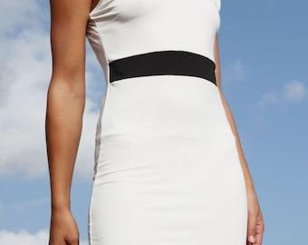 Vintage white minimal dress.size s