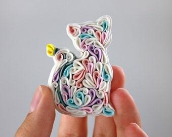Polymer clay cat brooch, white pastel cat brooch, polymer clay white Cat pin, Cat lover gift, white pastel pattern brooch