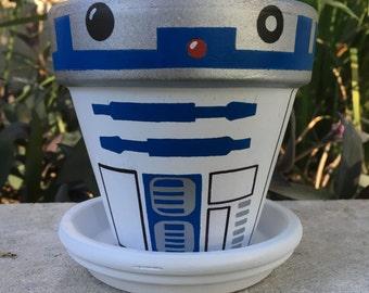 R2D2 inspired flower pot