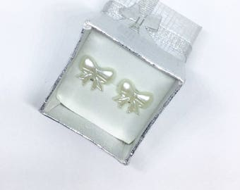 Ribbon bows earring studs
