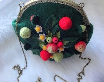 Summer felted bag Merino wool felt bag, wreath, drooch Felt berries bag and acessoreis Designer strawberries bag Summer women berries purse