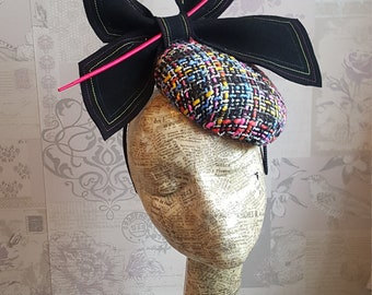 Jacqueline - Black & Fuschia Pink Tweed Button Percher Fascinator Hat. For weddings, race days, Kentucky Derby, Royal Ascot, Melbourne Cup