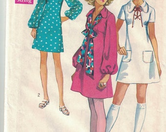 Simplicity 8805 Vintage Pattern Womens Mini Dress in 2 Variations Size 9/10 Bust 30.5 UNCUT