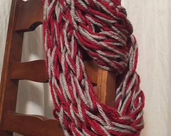 Knit Chunky Infinity Scarf - Red/Grey