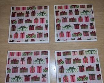 Christmas presents tile coasters set of 4