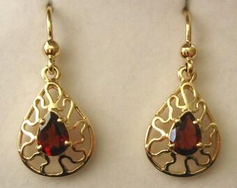 Genuine SOLID 9K 9ct YELLOW GOLD January Birthstone Garnet Earrings